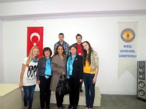 Mūsu skolas delegācijā kopā ar projekta vadītāju Konjā Semu Yaman