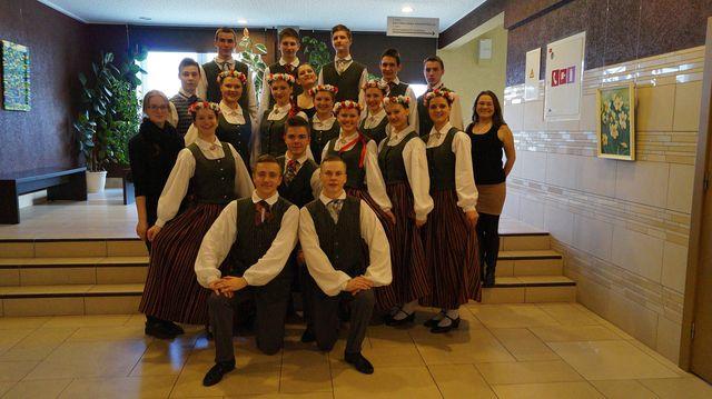 Vidusskolas deju kolektīvs 30.03.2015.