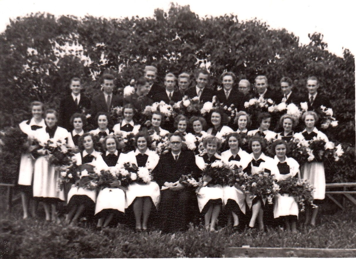 1957.gada 33.izlaidums, klases audzinātājs Jānis Dudars