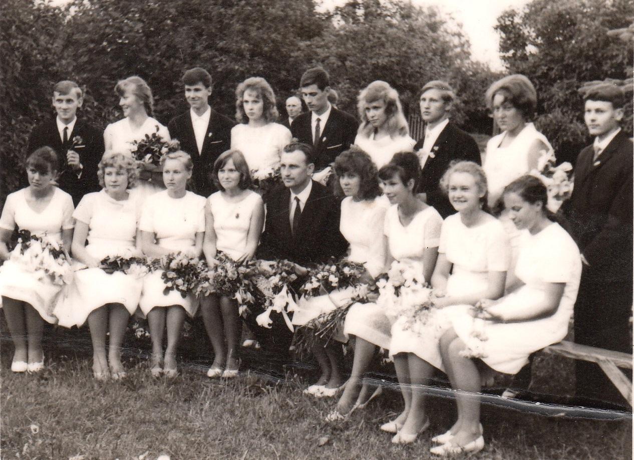 1966.gada 42.izlaidums .klases audzinātājs Ilmārs Niedrītis