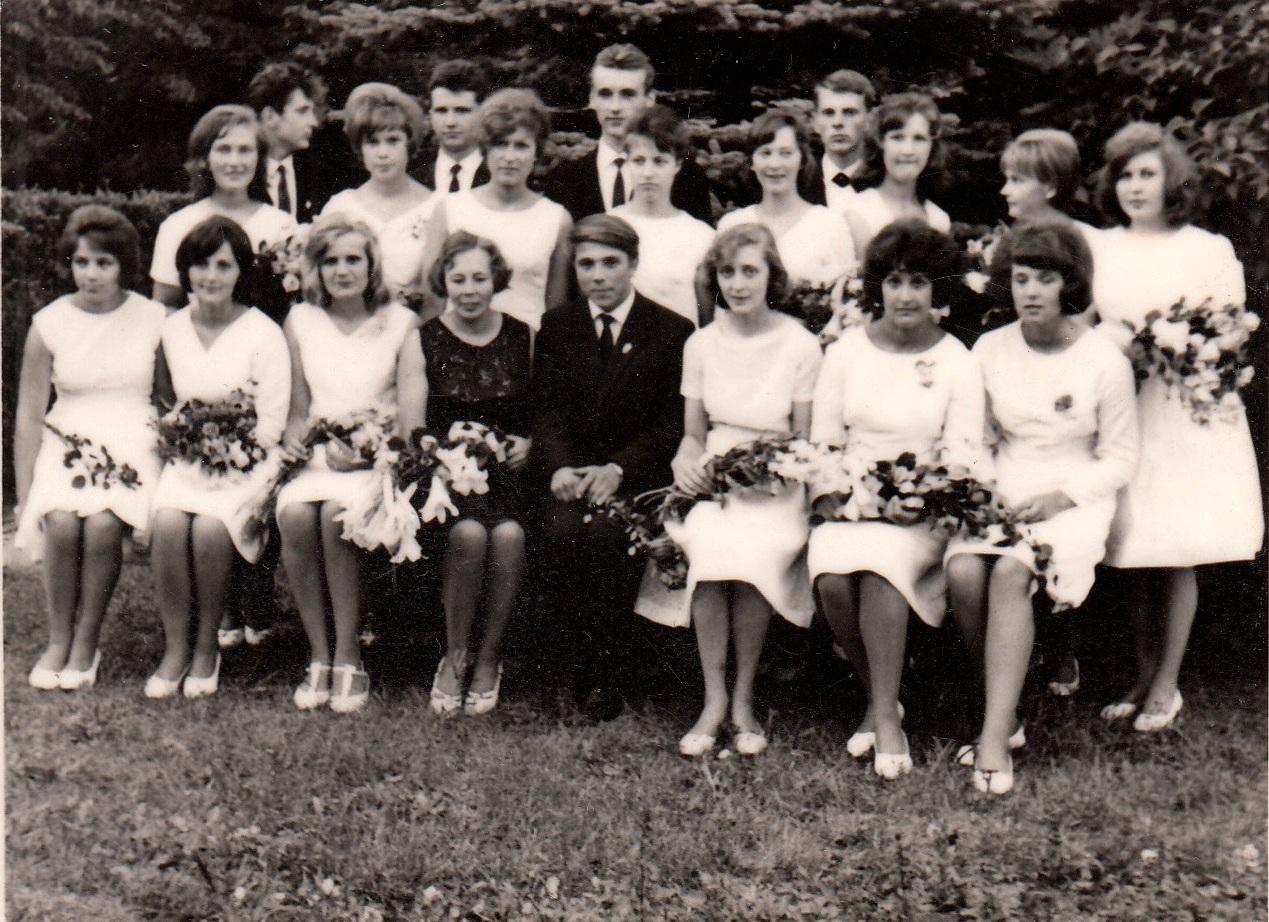 1966.gada 42.izlaidums klases audzinātāja Ausma Grīsle