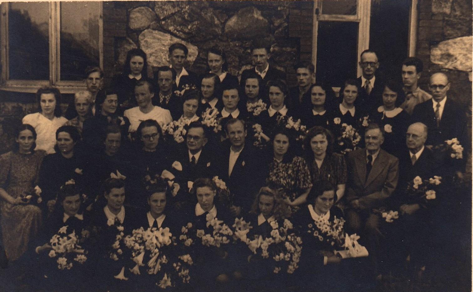 1948.gada izlaiduma klase audz.Irēna Dūma